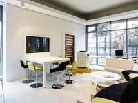 Inspiracje na aranżacje biura w nowym showroomie Kinnarps