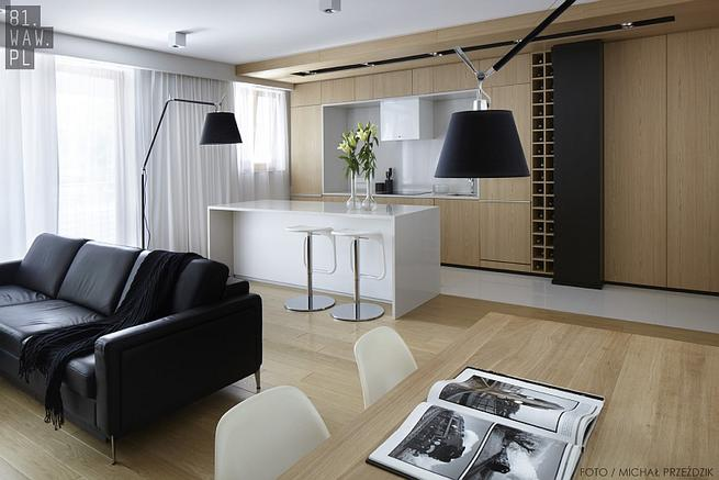 Nowoczesne mieszkanie. Wystrój wnętrza w drewnie
