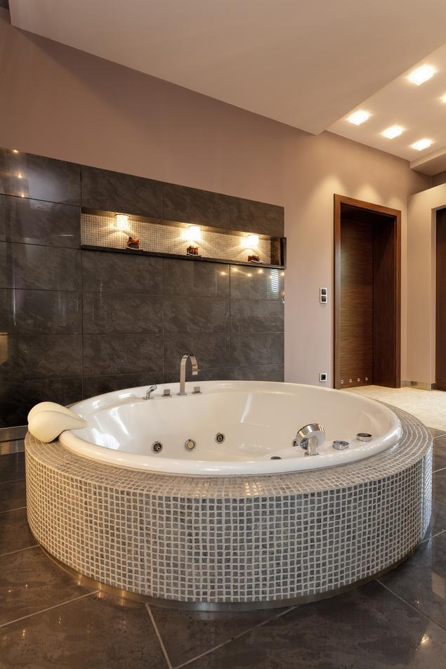 Zobacz Galerię Zdjęć Ekskluzywna łazienka Z Jacuzzi Jak