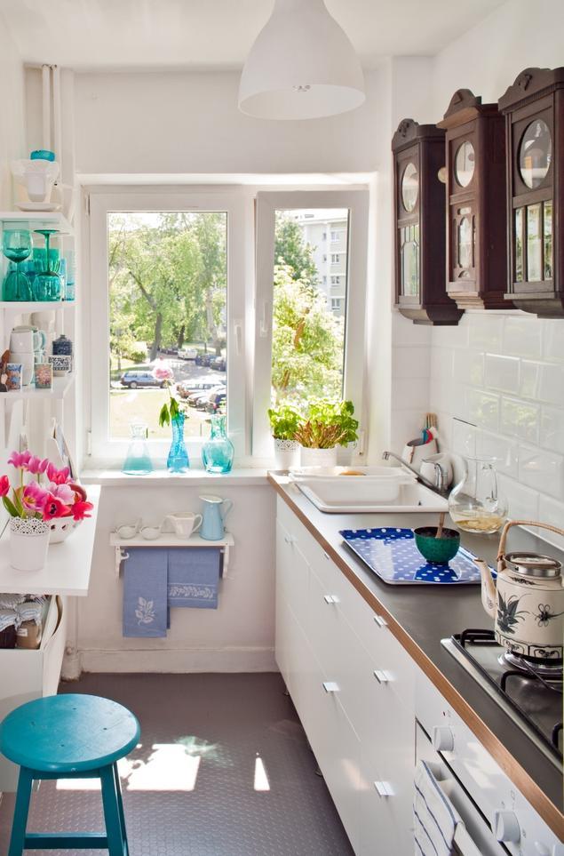 Zobacz galerię zdjęć Białe meble kuchenne Mała kuchnia w uniwersalnym stylu   -> Kuchnia Meble Biale